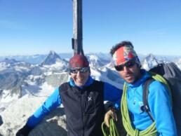 Am Gipfel des 4506 Meter hohen Weisshorn